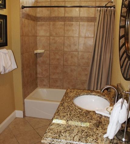 Villa Ana Capri | Guest Bathroom 1