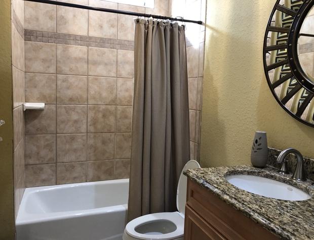 Villa Ana Capri | Guest Bathroom 2