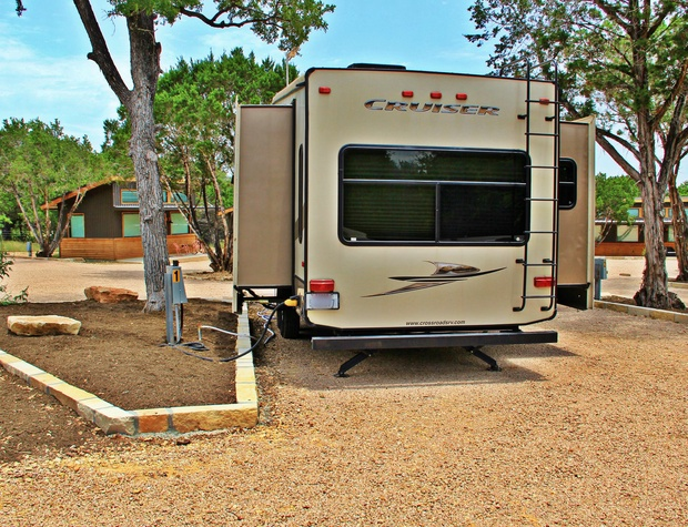 RV Slot 1 Pull Through Slot up to 38'