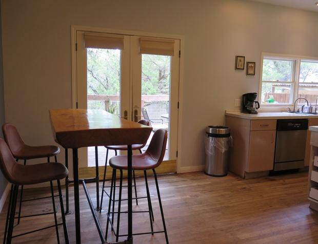 Inn Keepers Cottage Breakfast area