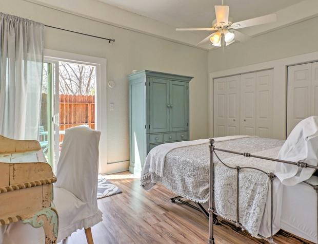 3rd bedroom has patio access