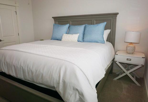 Alternative view of bed in bedroom 3