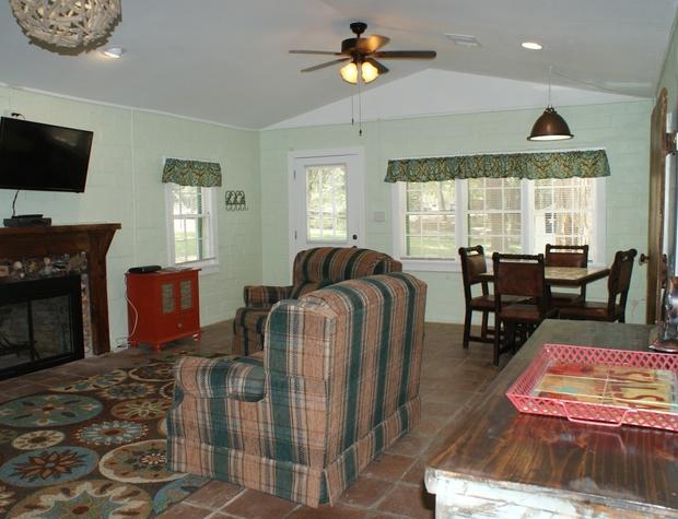 austin-cottage-8-17-15-080_24992980252_o.jpg