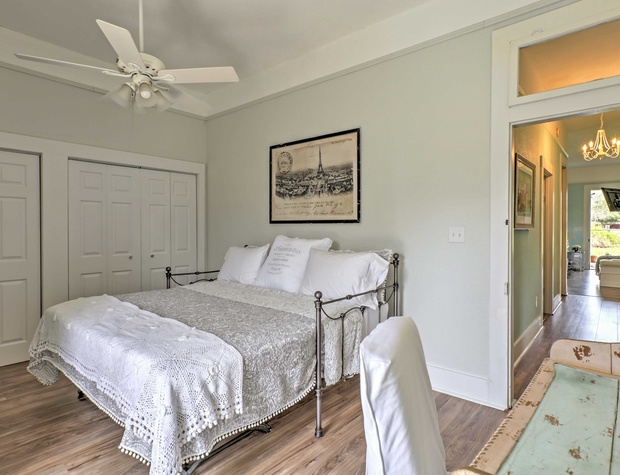 3rd bedroom with king sized bed