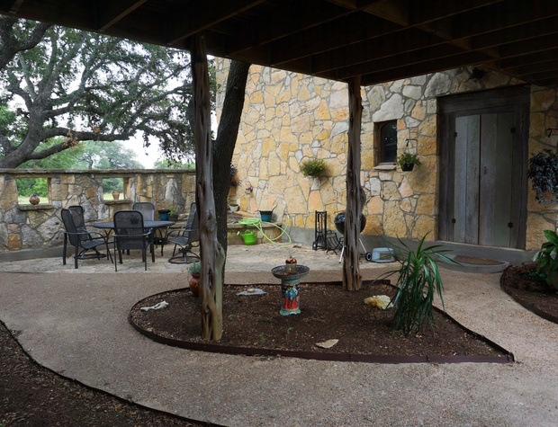 Courtyard with Grill and seating