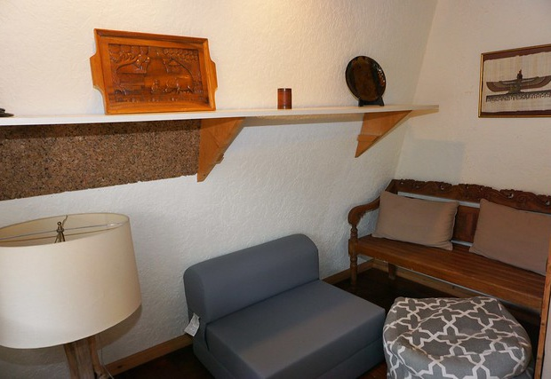 Additional seating in alcove