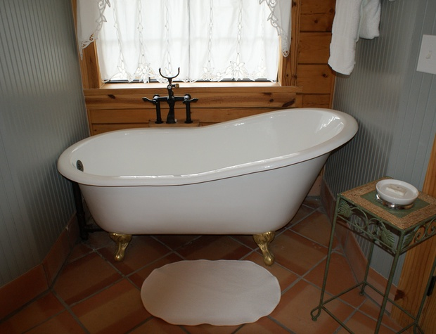Claw foot tub in Master bath
