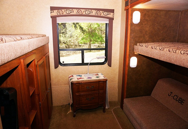 Bunkbeds in rear or trailor