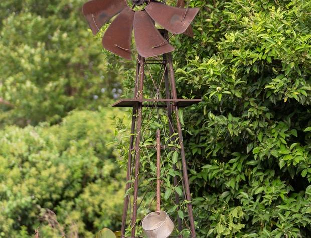 Garden art- windmill