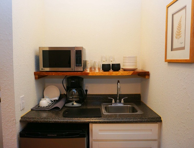 MIcrowave and sink