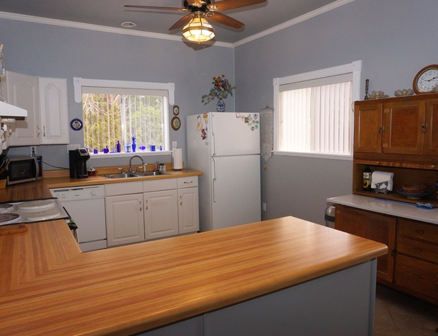 Kitchen area with lots of counter space.