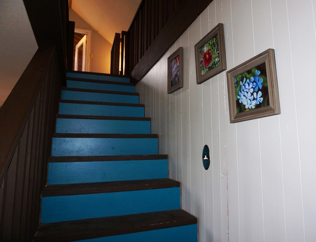 Even the stairs are cheery!
