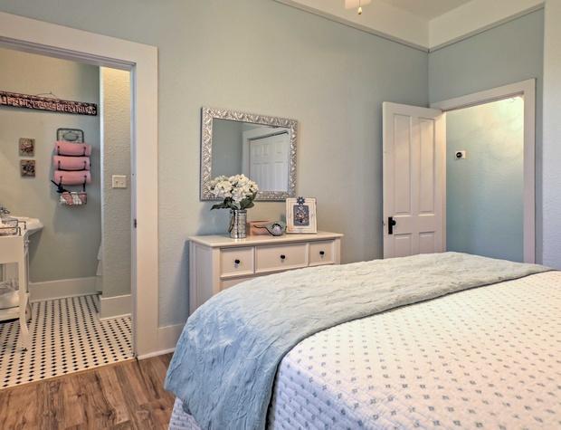 Master bedroom has ensuite bathroom