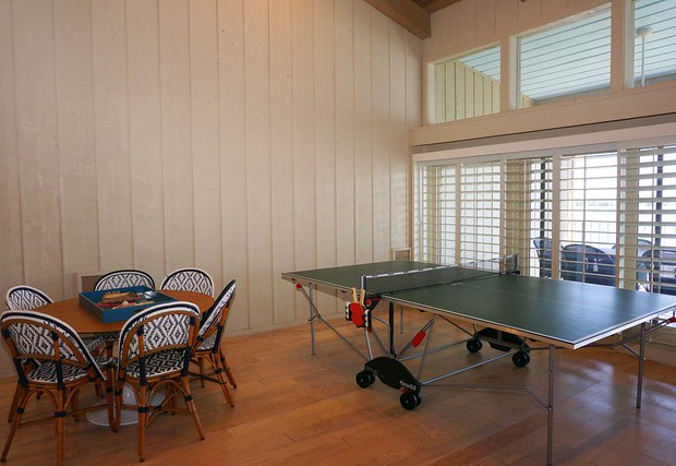 Additional seating and a ping-pong table