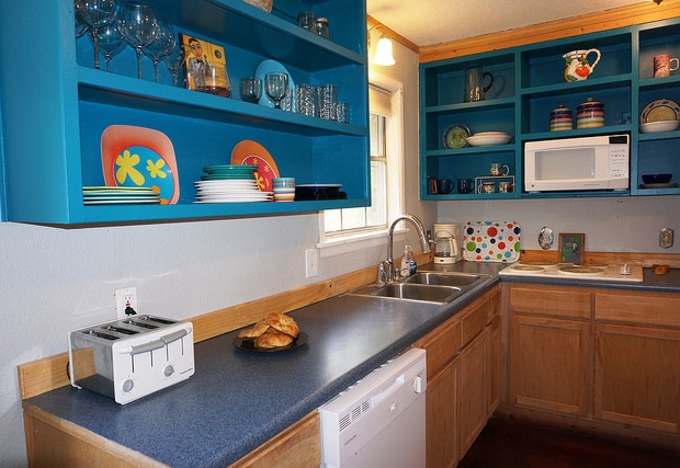 Bright full kitchen
