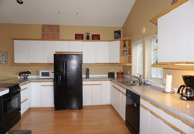 Large full kitchen in guest house