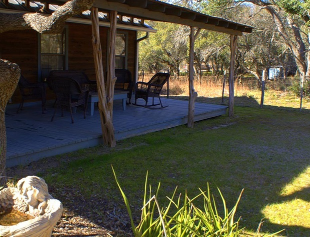 red-corral-ranch-meadows-cottage03-1200x600.jpg