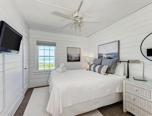 Guest Bedroom Dodt 3