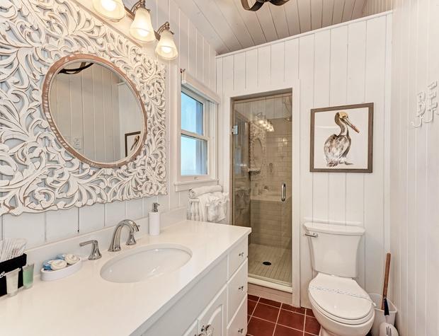 Guest Bathroom 2 Dodt 3