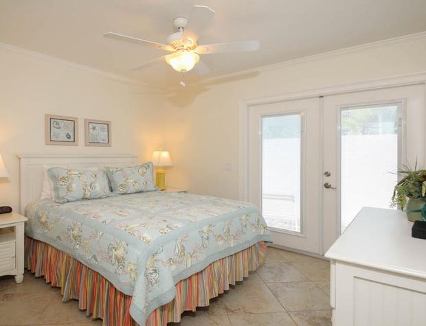 5616Guava_Anna_maria_Luxury_Real_Estate (24).jpg