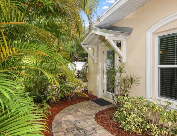 5616Guava_Anna_maria_Luxury_Real_Estate (15).jpg
