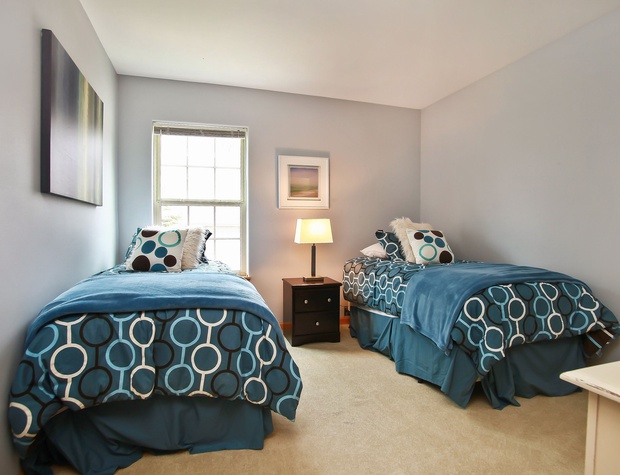 16_W5619WestshoreDrive_18001_Bedroom_HiRes.jpg