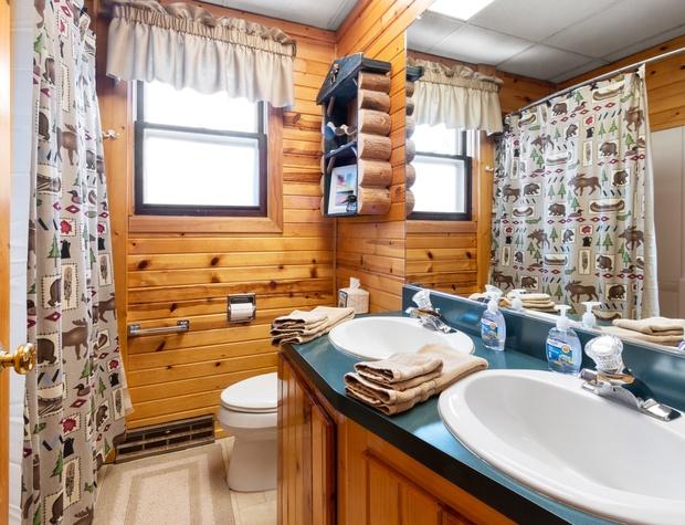 Main Floor Full Bathroom.jpg