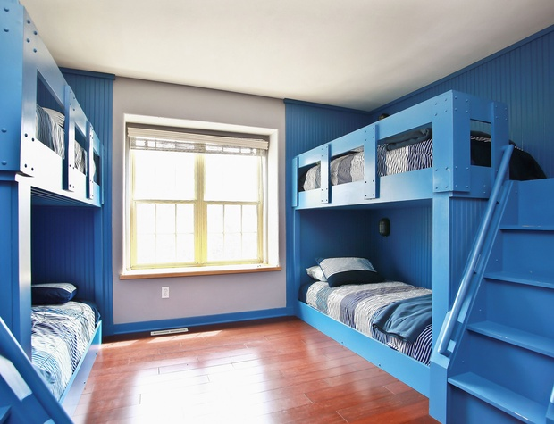 15_W5619WestshoreDrive_18_Bedroom_HiRes.jpg