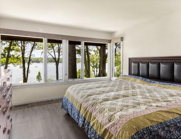 Lakeside Bedroom 1.jpg