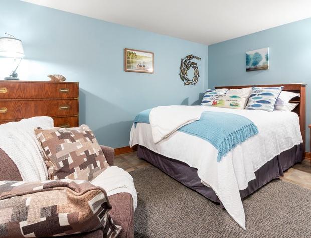 2nd Downstairs Bedroom 1.jpg
