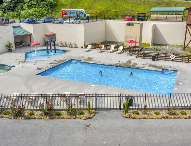 Grandview Resort Community Pool