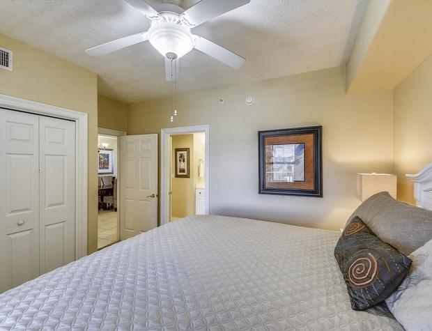 Main Level-Bedroom 1-KLH6195.JPG