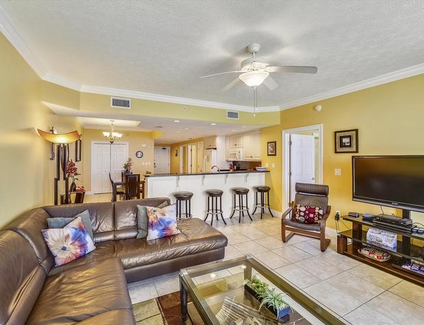 Main Level-Living Room-KLH0250.JPG