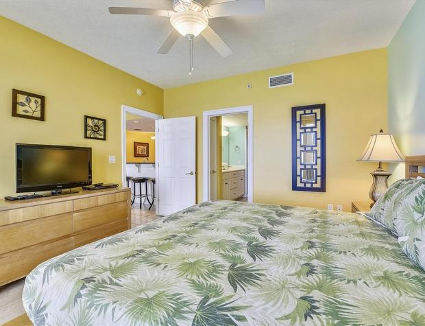 Main Level-Master Bedroom-KLH0265.JPG