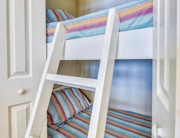 Interior-Bunk Bed-KLH5542.JPG
