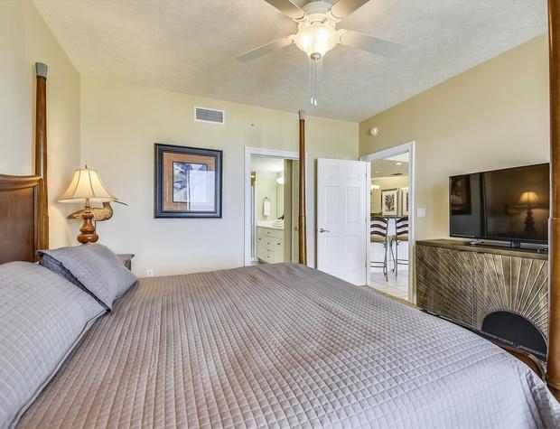 Main Level-Master Bedroom-KLH6260.JPG