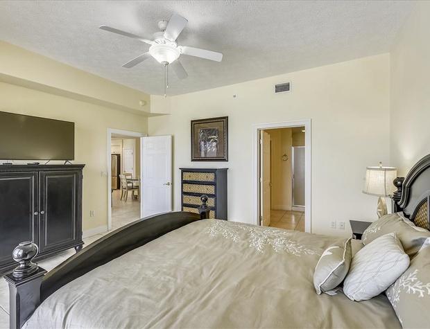 Main Level-Master Bedroom-KLH8991.JPG