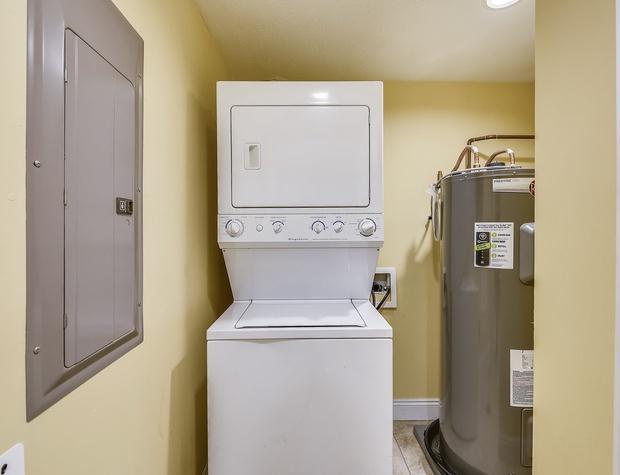 Interior-Laundry-KLH7601.JPG