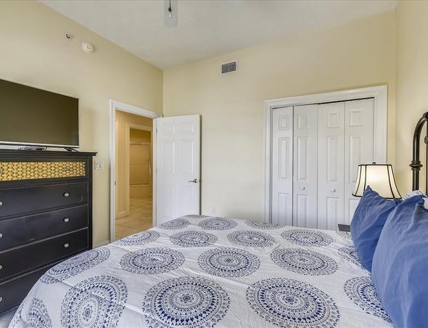 Main Level-Bedroom-KLH8891 (1).JPG