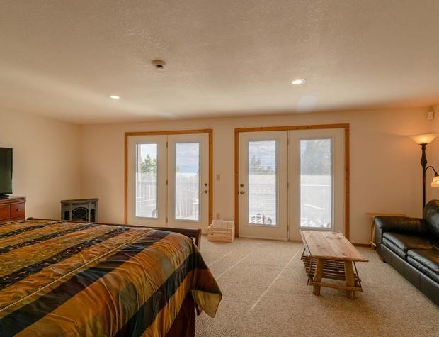 AboveItAll-lower king master bedroom 2..jpg