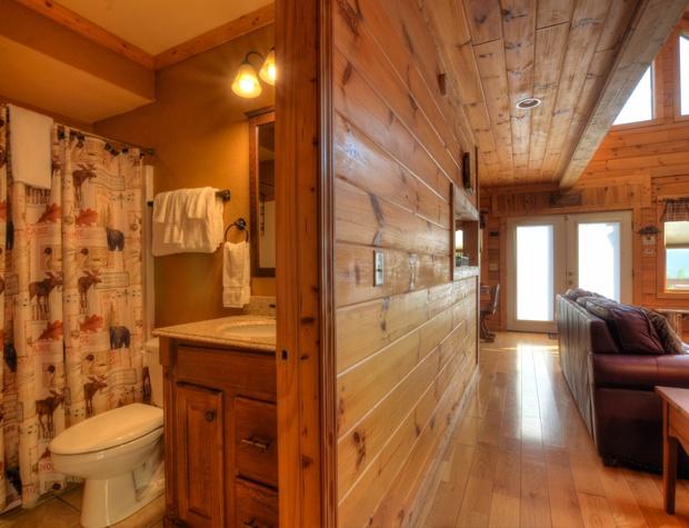 14 Guest Bath 2.jpg