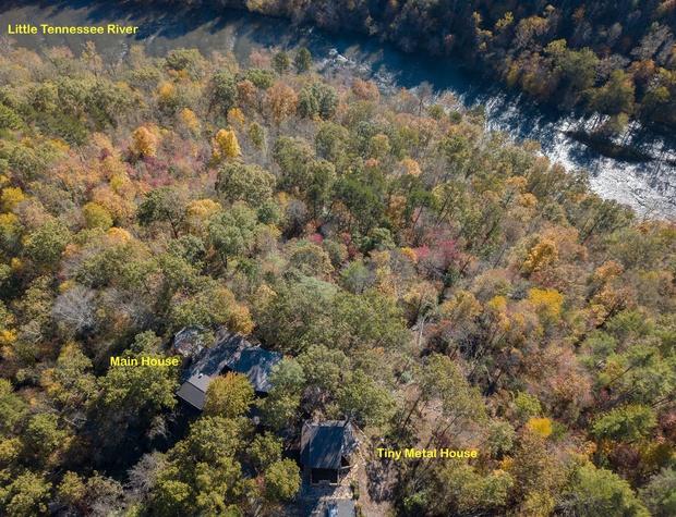 strawbale-overhead-Lil-TN-River-proximity.jpg
