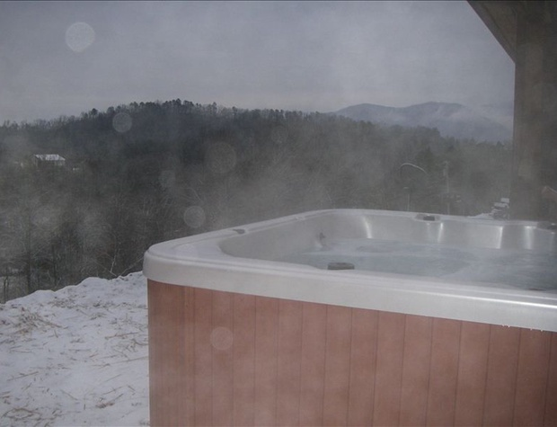 Hot Tub Winter.jpg