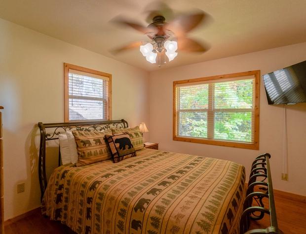 AboveItAll-main floor queen bedroom.jpg