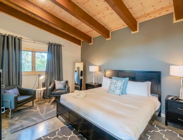 king pillow-top bedroom