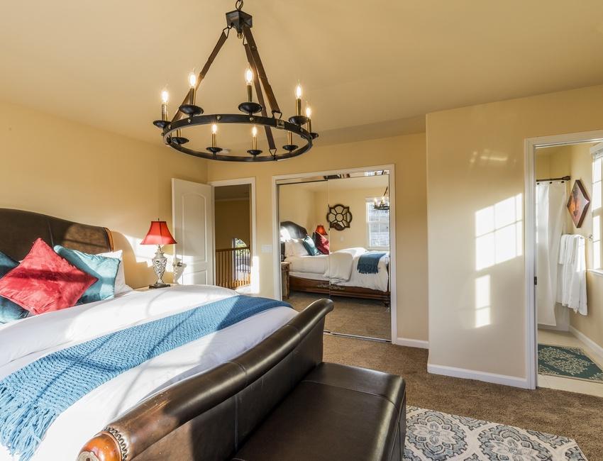 Upper Level Guest Suite