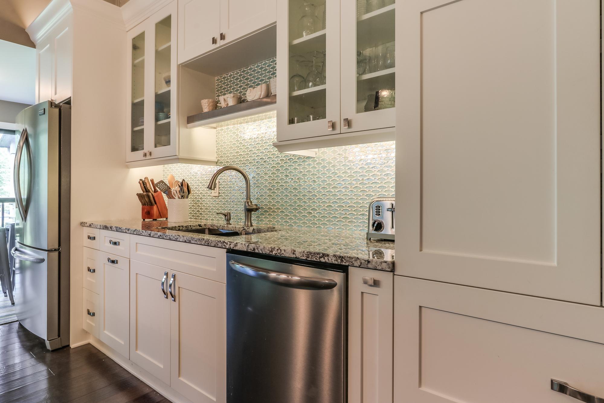 Kitchen Pic 2.jpg