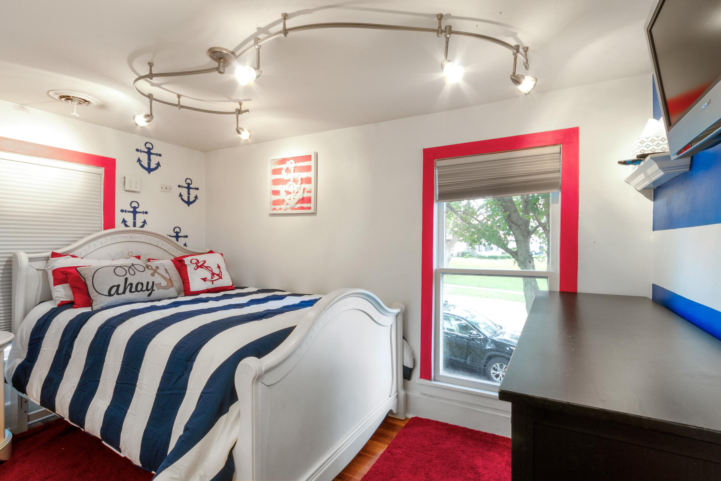 2nd Upstairs Bedroom.jpg