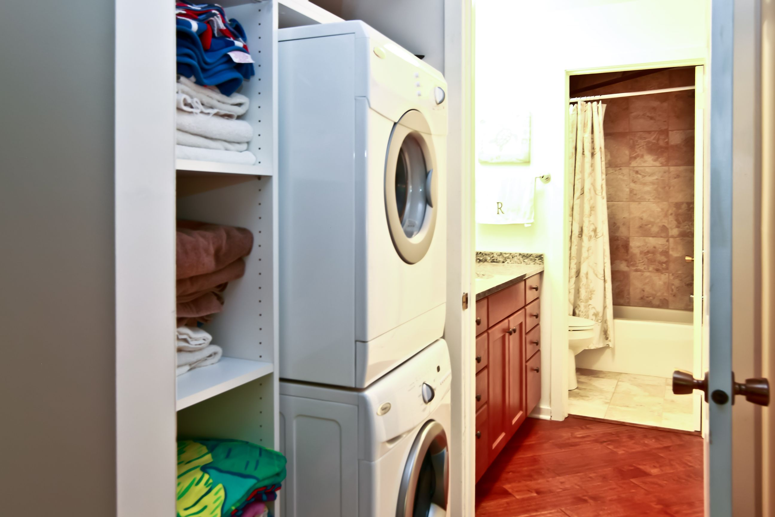 08_404ADeerpathWest_44_LaundryRoom_HiRes.jpg