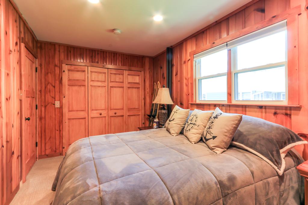 Bedroom 2 Lower (2).JPG